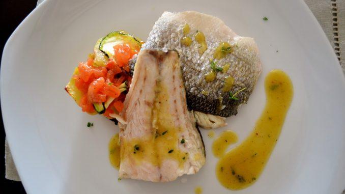 Branzino ricette semplici e gustose for Cucinare branzino