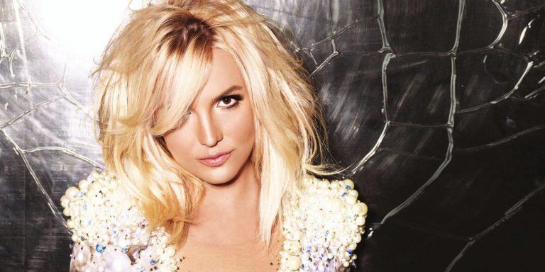 Britney Spears: un tweet la dichiara morta ma la popstar è viva. Altra bufala