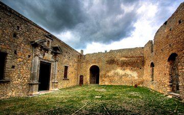 Cortile esterno del Castello di Caccamo