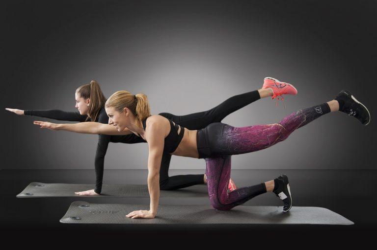 Esercizi per un lato B allenato e tonico