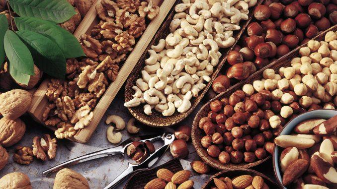 Frutta secca: benefici per l'organismo
