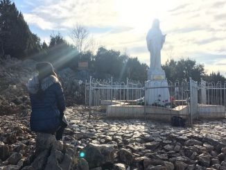 Elisabetta Gregoraci in viaggio spirituale a Medjugorje