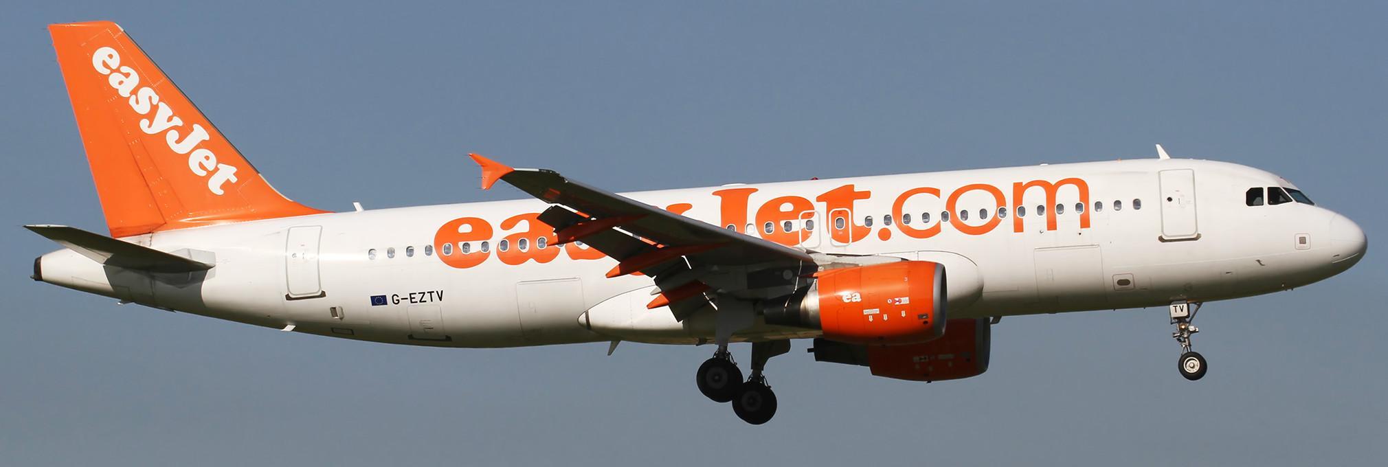 Aereo easyjet evacuato a napoli per allarme terrorismo - Easyjet cosa si puo portare in aereo ...