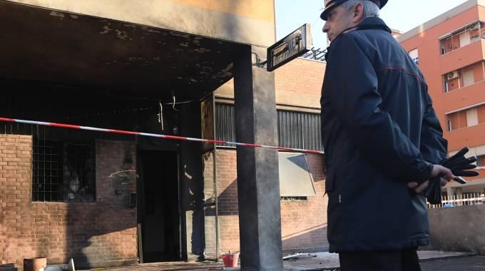 Era il sospettato per l'esplosione avvenuta davanti alla caserma dei Carabinieri di Bologna. E' stato fermato a Roma proprio ieri sera.