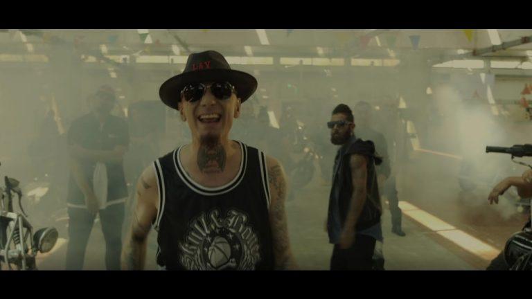 J-Ax e rapper baresi: il video girato in Puglia