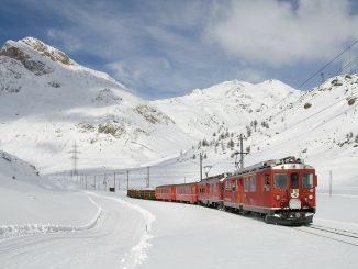 treno con la neve