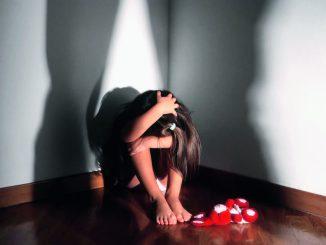 Straniero violenta bimba di 6 anni: arrestato