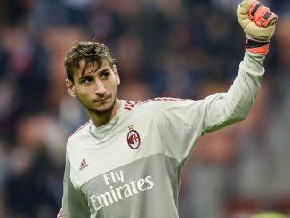 Donnarumma: Raiola vuole prendere tempo prima di farlo rinnovare col Milan