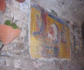Affresco su un muro del borgo