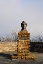 Busto di Dante, che partecipò alla Battaglia di Campaldino