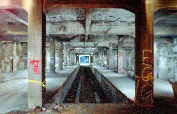 Il degrado della metropolitana