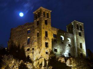 Il Castello di Dolceacqua di notte