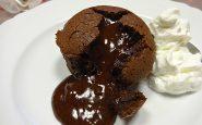 Cupcake al cioccolato fondente con cuore morbido: la ricetta
