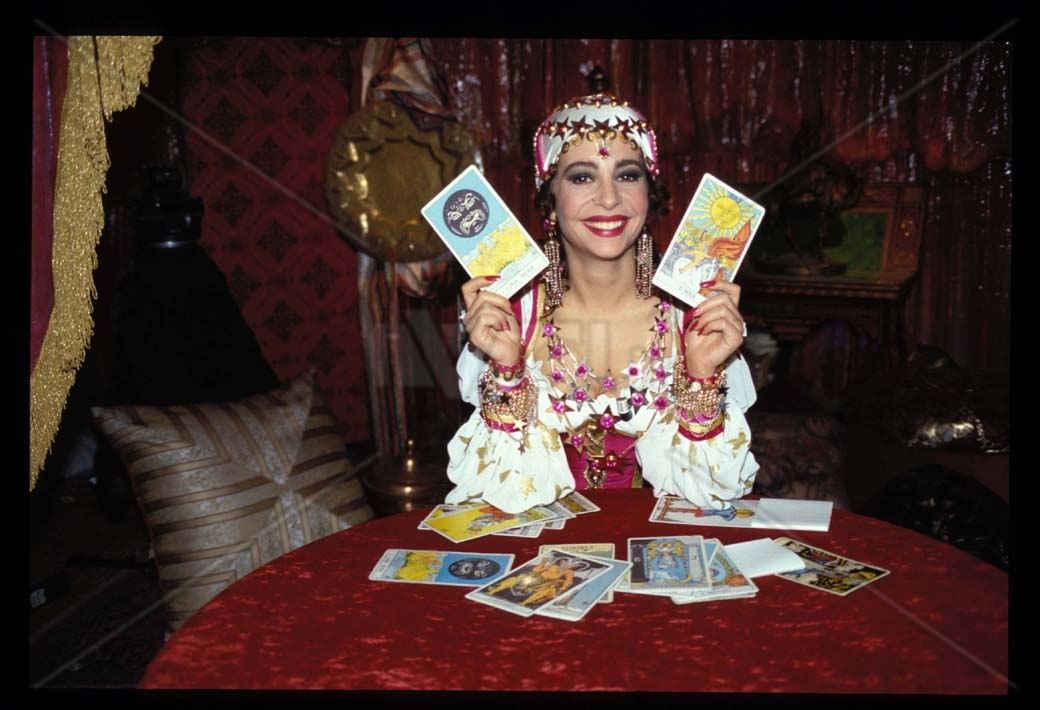 Scarpe Matrimonio Uomo Napoli : La zingara protagonista del programma luna park