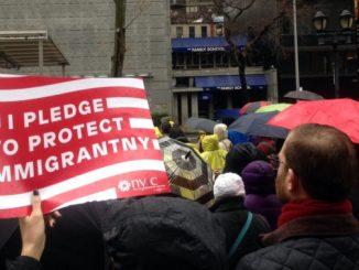 New York: una marcia di migliaia persone in difesa dei migranti