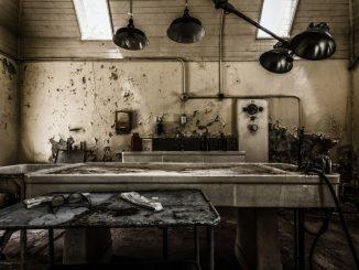 Sala in completo abbandono dell'ospedale psichiatrico Willard