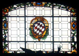 Stemma dei Salviati su una vetrata della Chiesa di S. Marco (Fi)