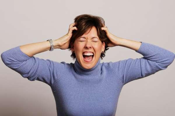 Stress: donne e uomini hanno rimedi differenti. Sesso e cibo le scelte