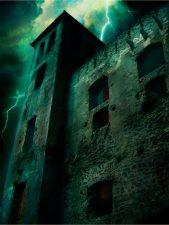 Nella torre del castello sarebbe stata rinchiusa Lucrezia o Filomena