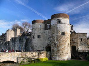 Ingresso principale della torre