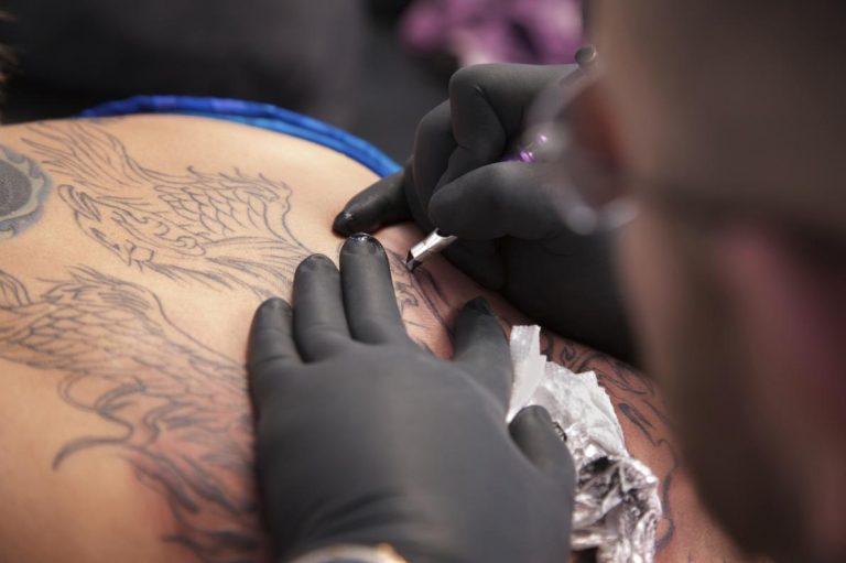 Tatuaggi: rischi e problemi