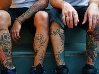 gambe-e-braccia-tatuate
