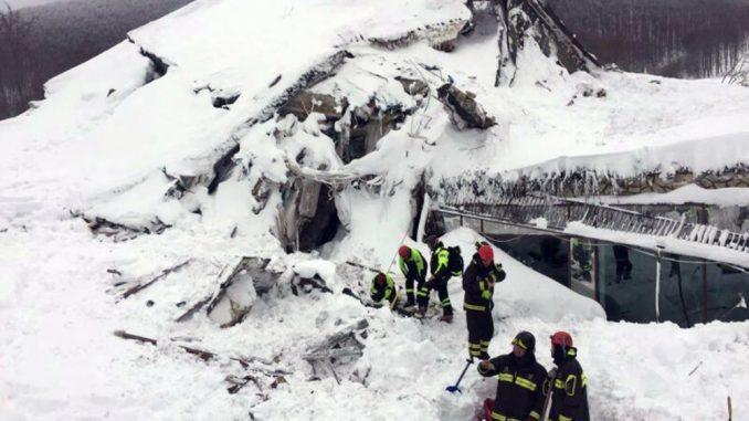 Hotel Rigopiano, si aggrava il bilancio: 21 vittime accertate, 8 dispersi