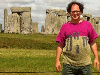 Realizza maglioni con i luoghi del mondo: foto diventano virali