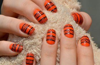 orange-and-black-halloween-nails