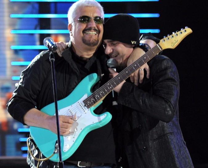 J-Ax & Friends: il duetto di J-Ax con Pino Daniele