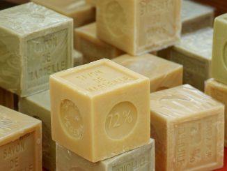 Shampoo fai da te con sapone di Marsiglia: ricetta semplice e ingredienti