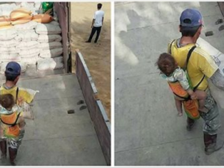 Questo padre porta suo figlio sempre con sé in uno zaino