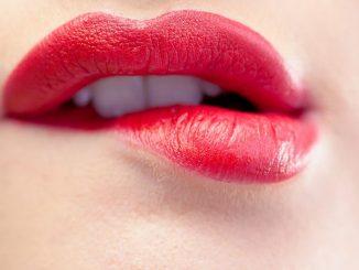 Come curare l'herpes labiale con i rimedi della nonna