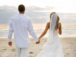Le cinque cose da mettere in valigia per il viaggio di nozze