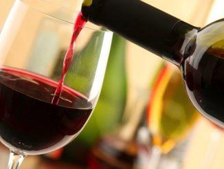 Quante calorie contiene un calice di vino?