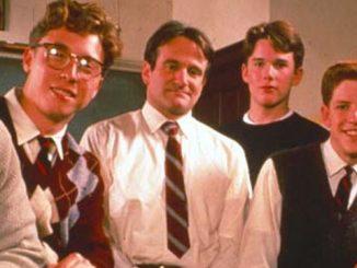 L'Attimo Fuggente è un film diretto da Peter Weir nel 1989. Vediamo perché è ancora così attuale e che messaggio lascia alle nuove generazioni.