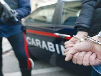 Napoli, consegna droga con la sorellina di 7 anni