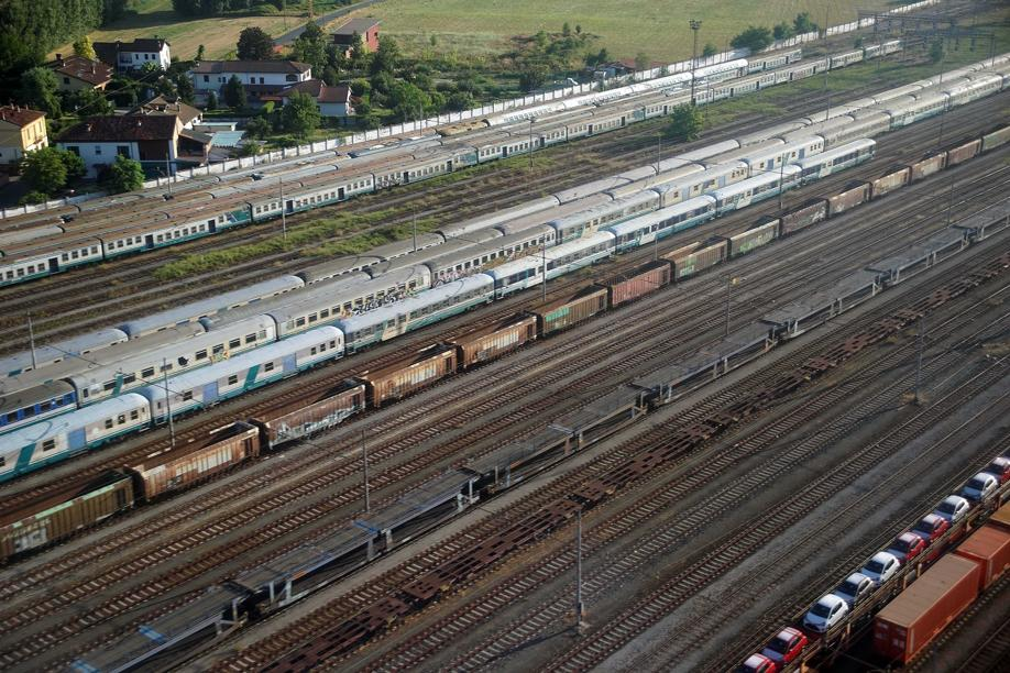 Il cimitero dei treni abbandonati ad Alessandria