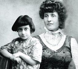 Benito Albino Dalser Mussolini con la madre Ida