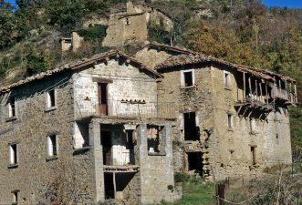 Case abbandonate di Laturo con gaffio