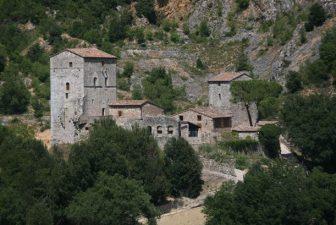Il Castello di Montarrenti e il borgo