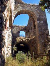La Porta e il Corpo di Guardia del castello