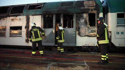 Treno in fiamme alla stazione di Alessandria