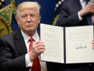 Trump espelle messicano. L'uomo si suicida lanciandosi da un ponte
