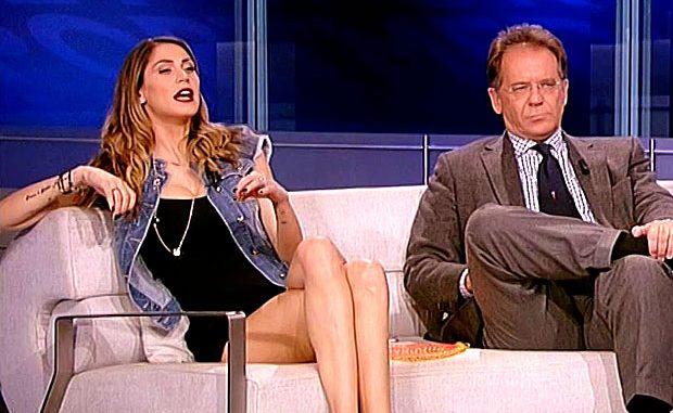 Melissa Satta senza mutandine in tv?