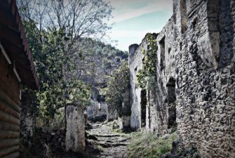 Ruderi nel villaggio fantasma della Turchia