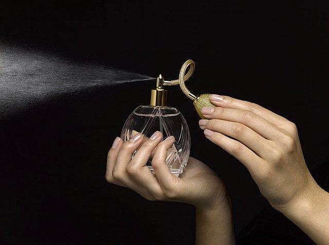 Profumo maschile e profumo femminile: i più venduti della storia