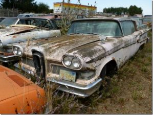 """Altre auto abbandonate nel """"cimitero"""" dell'Oregon"""