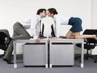 """Politico svedese proposta indecente: """"Sì alla pausa sesso durante il lavoro"""""""