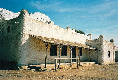 Edificio di San Salvatore che ricorda un edificio western